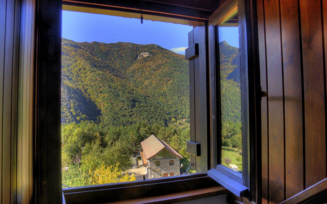 Camping excepcional para maravillarse con  el otoño. Borda Bisaltico en Valle de Hecho. Pirineo Aragonés.