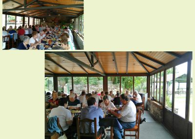 Comedor exterior, acristaladoRestaurante Borda Bisaltico. Perfecto para grupos.