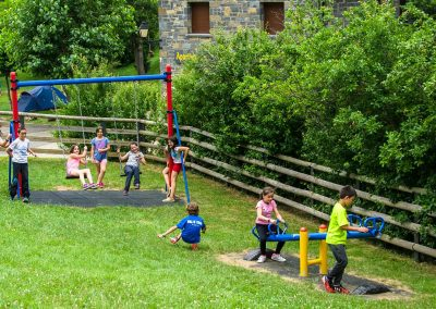 Parque infantil. Camping Familiar Borda Bisaltico