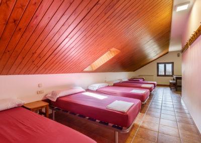 habitación de 6 con baño