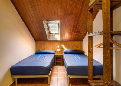 3B .habitación doble baño compartido