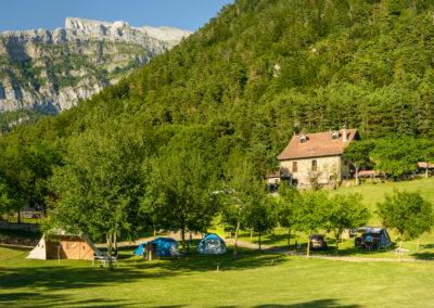 Camping Familiar Borda Bisaltico. Valle de Hecho. Pirineo Aragonés