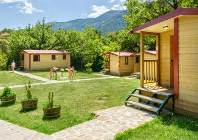 Bungalows en Camping Borda Bisaltico. Pirineo Aragonés, Valle de Hecho